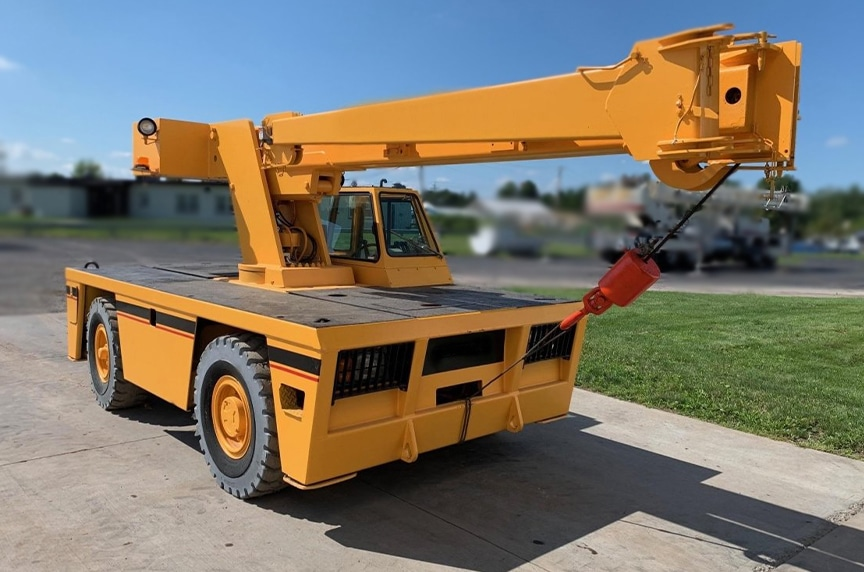 Different Types of Cranes for Construction: Carry Deck Cranes