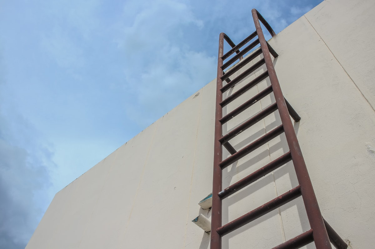 OSHA Ladder Safety Compliance: General Ladder Rules & Requirements