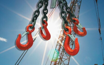 Does OSHA Require a Hook with a Safety Latch for an Overhead Lift: Featured