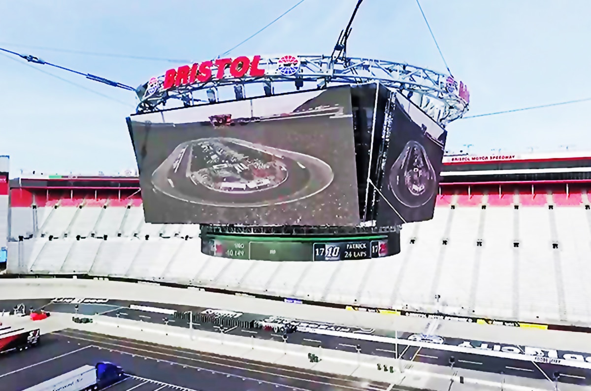 """Tennessee Sling Provides Rigging for """"Colossus"""" TV at Bristol Motor Speedway"""