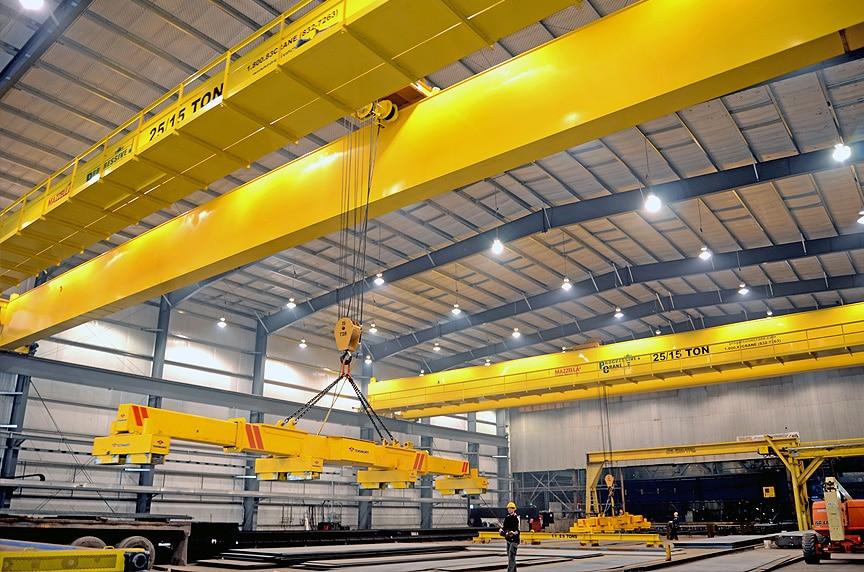Forklifts vs. Overhead Cranes: Top Running Crane