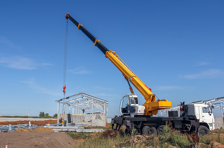 A Brief Mobile Cranes Glossary: Basic Terms You Should Know: Wheel Mounted Crane