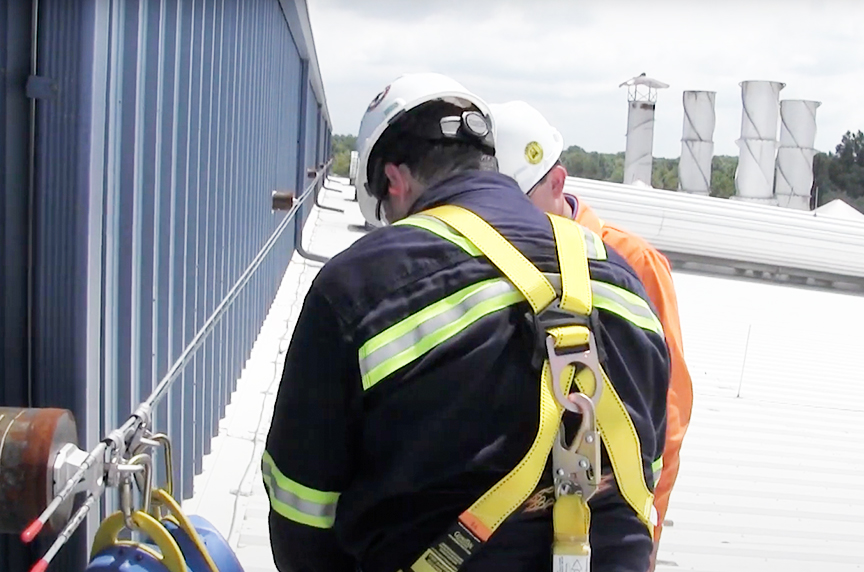 Fall Protection for Roofers: Systems, OSHA Regulations, & Best Fits: Harnesses